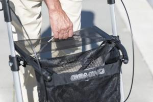 Opvouwen van Gemino 20 rollator van Sunrise Medical