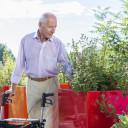 Man met Gemino 30 Parkinson rollator van Sunrise Medical